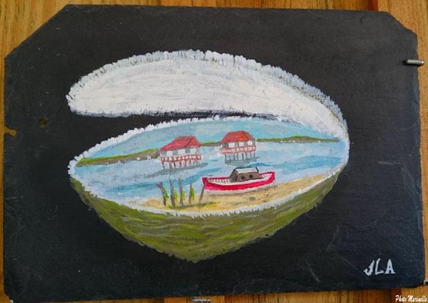 """JLA Artiste Peintre - """"Pinasse rouge et cabanes tchanquées Ile aux Oiseaux"""" 023 - Peinture sur ardoise (Bassin d'Arcachon)"""
