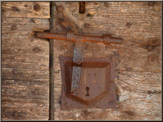 La fermeture de la porte d'entrée de la chapelle Saint-Roch à Saugnacq-et-Muret (40) : elle a du vécu !