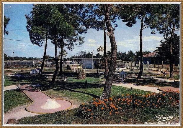 Gujan-Mestras autrefois : en  1969, le golf miniature de La Hume (situé près de la plage, il a aujourd'hui disparu), Bassin d'Arcachon (carte postale, collection privée)