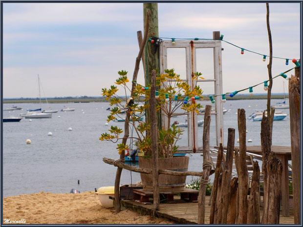 Fenêtre sur le Bassin (dégustation d'huîtres en bord de plage), Village de L'Herbe, Bassin d'Arcachon (33)