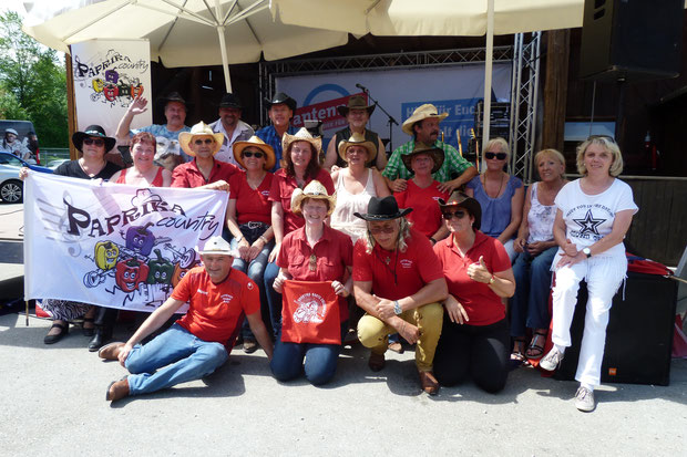Wir und unsere Lieblings Country Band: Paprika Country und Tanzband
