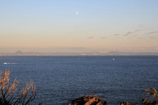 房総半島を望む  久しぶりに海を見れて気分がよかった