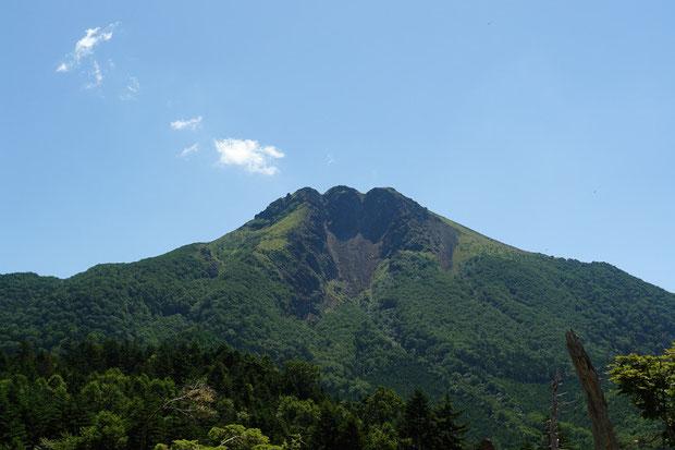 日光白根山の最高峰 奥白根山(2578m) ロープウェイ山頂駅より望む 2008.08.09 群馬県