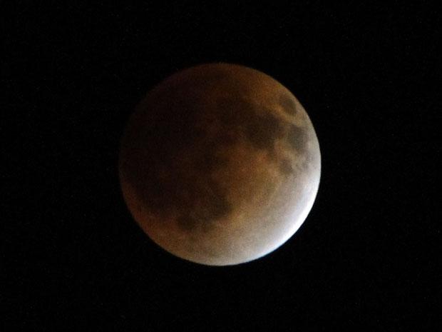 皆既月食 かなり赤みを帯びました。 2012.12.10  23:07