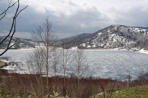 野反湖の東側からの風景です
