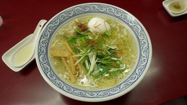 塩ラーメン ¥650 麺もスープも素晴らしい! 大山鶏の出汁が絶妙