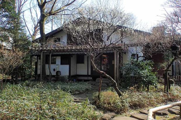 オーブン・ミトン カフェ  建物は、洋画家中村研一が半生を過ごした家
