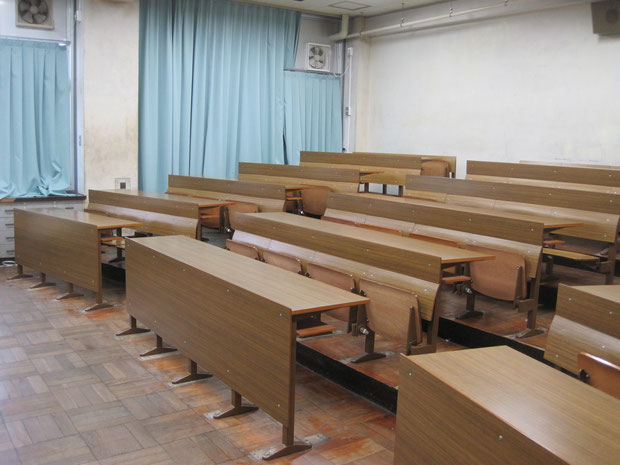 ビジュアル講義室