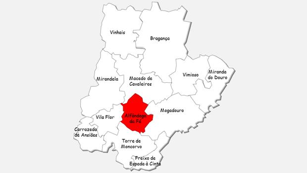 Localização do concelho de Alfândega da Fé no distrito de Bragança