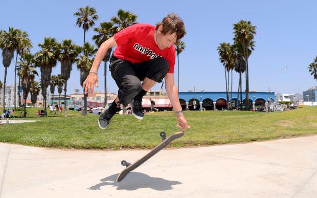 Guenter MOkulys, Ollie Fingerflip. Skateboardbusiness.de