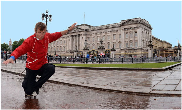 Guenter Mokulys am Buckingham Palace/London