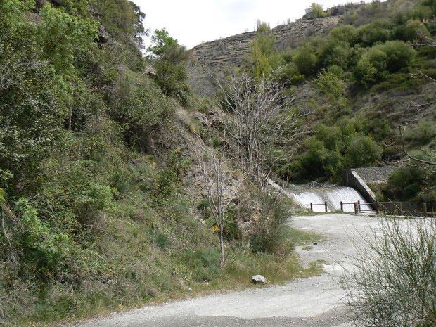 Bergbach in der Alpujarra beim Start des Wanderweges