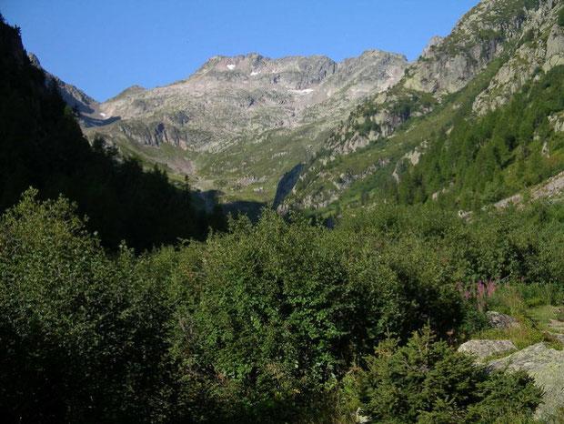 Weg zur Cabane de Pierre à Bérard