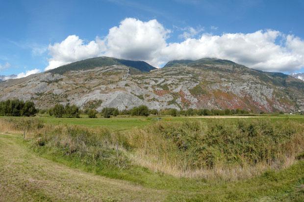 Blick auf die Walliser Felsensteppe bei Erschmatt