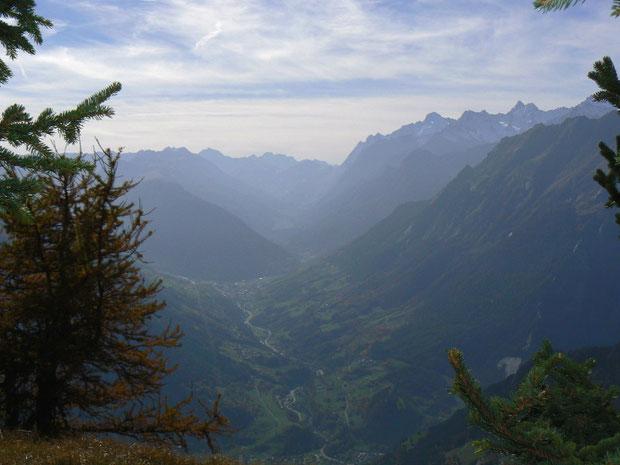 Val d'Entremont (im Hintergrund rechts das Val Ferret)