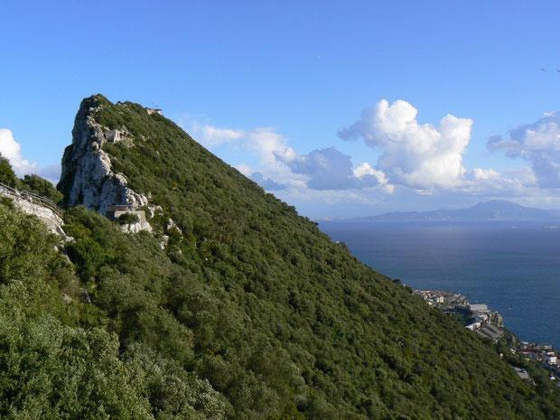 Der Gibraltarfelsen mit Blick auf Afrika
