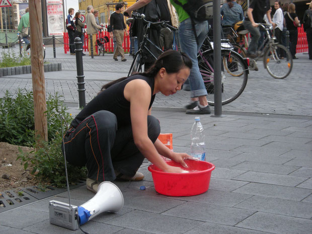 Performance von Angie Hiel und Roland Kaiser in der Nordstadt , Foto: Irene Franken