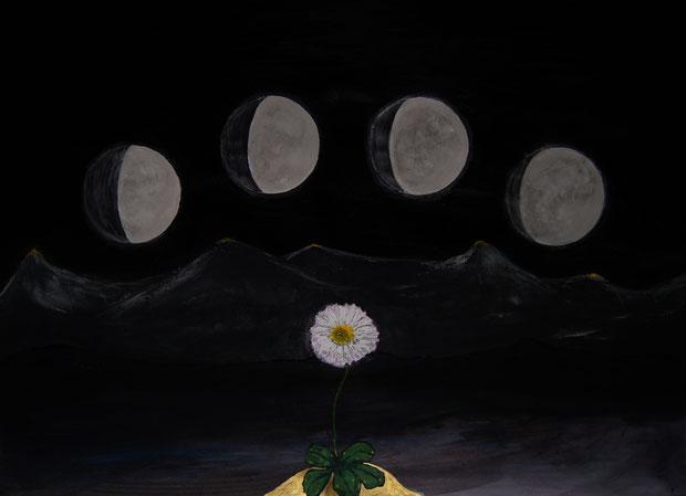 Vier sternenlose Nächte. Symbolisiert von dem Künstler Erol Alp anhand mehrerer Monde, die an der Blume vorüberziehen.