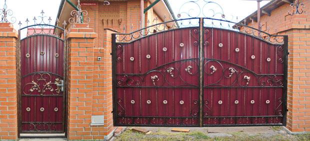 Кованые ворота красное вино в Кургане