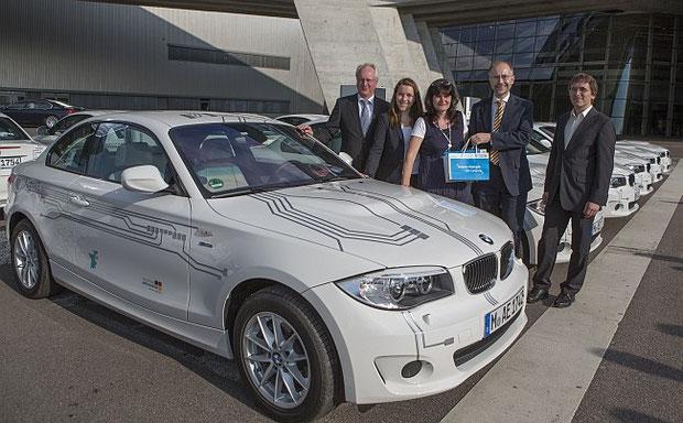 15 BMW ActiveE in Leipziger BMW WERK übergeben