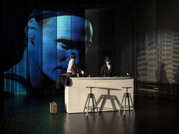 Szenenfoto Theater Sankt Gallen 2019, Christian Hettkamp, Oliver Losehand u. Anja Tobler (c) Iko Freese