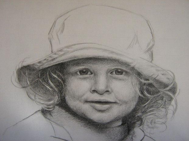 Meisje met hoed - Potlood  42 x 30 cm