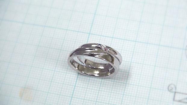 誕生石付き双葉の手作り結婚指輪