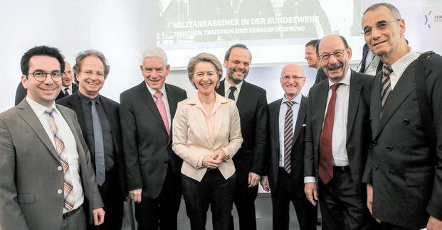Militärrabbiner in der Bundeswehr, Dr. Daniel Botmann, Prof. Dr. Doron Kiesel, Dr. Josef Schuster, Ministerin Ursula von der Leyen, Antisemitismusbeauftragter der Bundesregierung Dr. Felix Klein