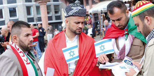 Kurden auf einer pro-israelischen Demonstration. Foto R. Herlich