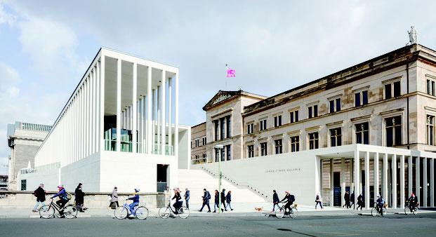 Über 10.000 Kunstwerke spendete James Simon den Berliner Museen. Seit 2019 trägt der von David Chipperfield erbaute Haupteingang den Namen des jüdischen Mäzens.  Foto: David Chipperfield Architects