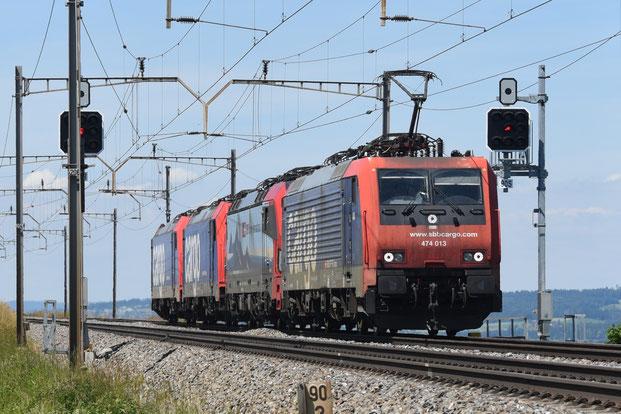 Juni 2020: SBB Cargo Re 474 mit BR 193 und zwei Re 482 als Überführungszug, Mühlau/CH 4.6.2020