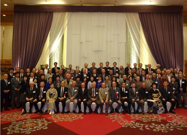 宗像高校同窓会 福岡支部総会での集合写真 高校同窓会。