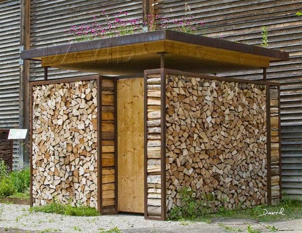 totholz im garten holzstapel wildbienenschutz im. Black Bedroom Furniture Sets. Home Design Ideas