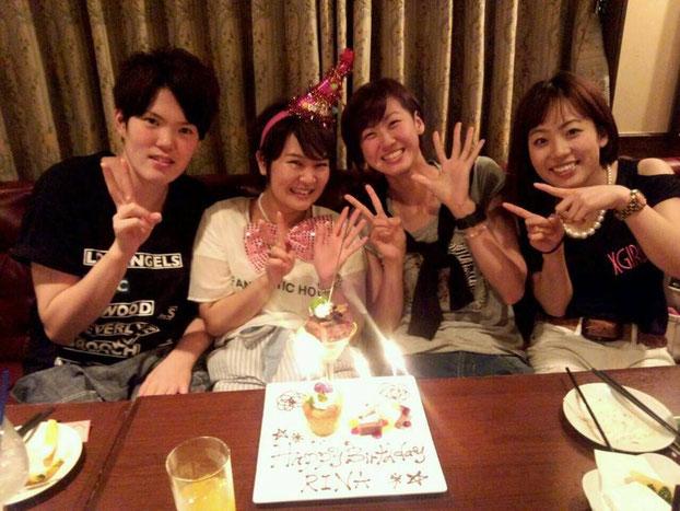(右から2番目)牛田選手とお友達