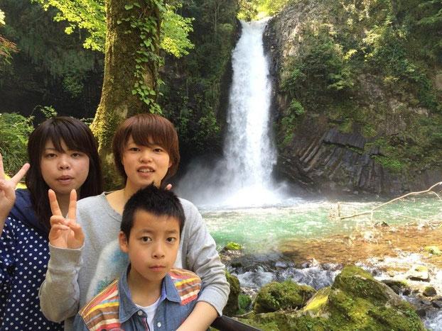 (左)お姉さん(中央)稲井選手(右)弟