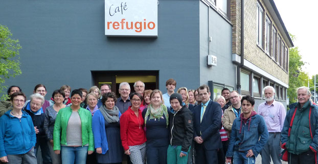 Das - nicht komplette - Team der ehrenamtlichen Helferinnen und Helfer im Refugio