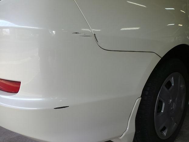 Honda フィットシャトル リヤバンパー&クォーターパネル  凹み修理 0016