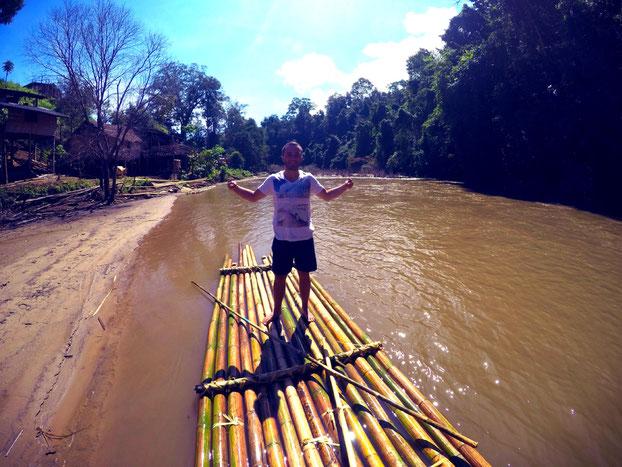 Thailand Dschungel Trekkingtour Fluss Rafting