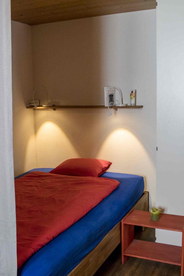 Schlafzimmer Erholung Ferienwohnung Melchsee-Frutt www.ferienwohnung-melchsee-frutt.ch Obwalden Schweiz