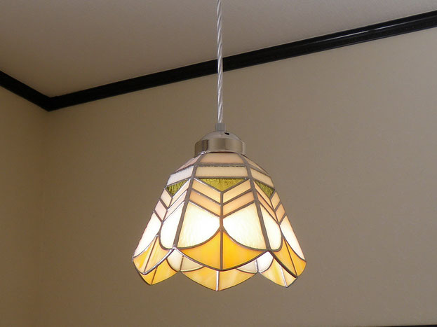 ステンドグラス照明作家Ayakoが作るペンダントライトのオーダー