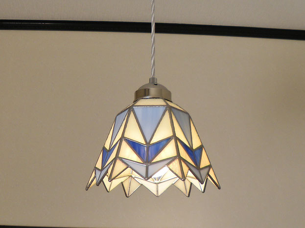 ステンドグラス照明作家が作る、ステンドグラスペンダントライト