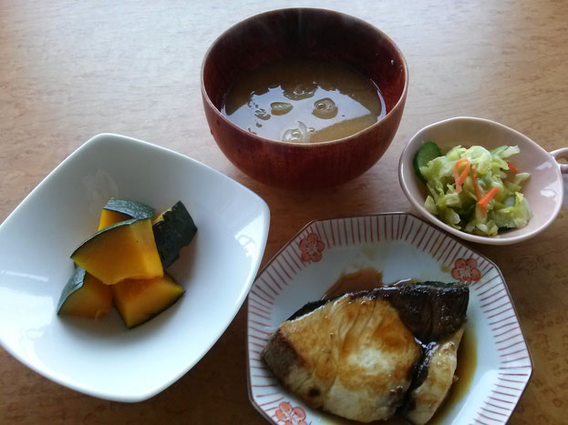 大阪兵庫で家事代行サービスの夕食作りでぶりの照り焼き