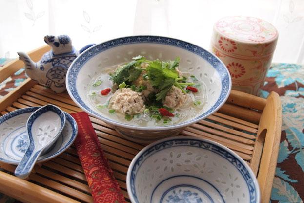 豆腐入り鶏団子のスープ