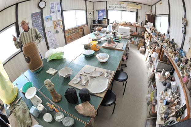 創作陶芸工房アートファームの工房内の様子。