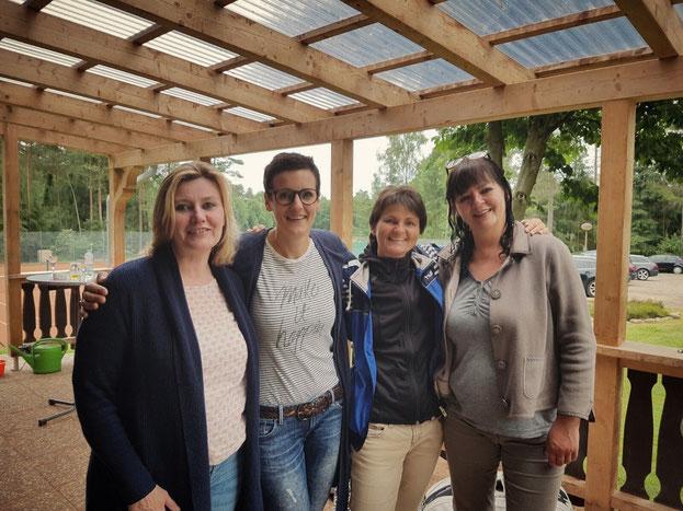 von links: Nina Steppat, Birte Kautz, Gaby Prüser, Regina Mohr