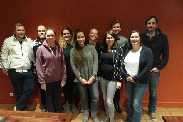 Der Vorstand der Handballabteilung des TuS Altwarmbüchen freut sich auf ein neues Jahr.