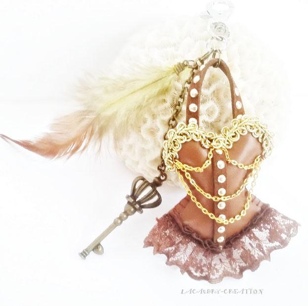 Bijou de sac corset esprit Steampunk Marron et or (modèle réservé)