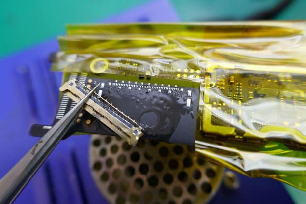 Surface PRO5 充電端子交換修理