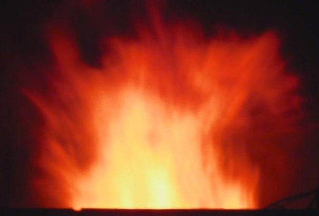 二日目深夜の煙突からの炎