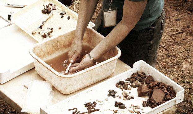 Vivi l'Archeologia. Laboratori per bambini di archeologia. Archeologia didattica.  Vivi l'Archeologia blog. Alessandro Boninsegna, Historia s.n.c